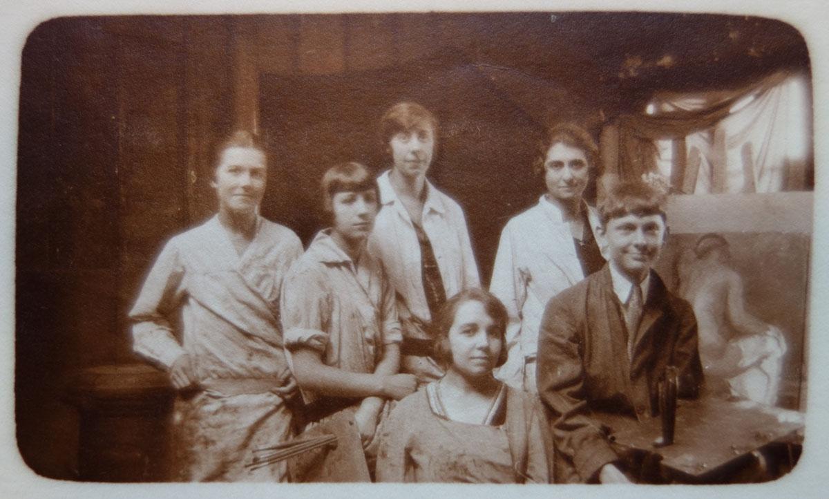 Madeleine (milieu bas) aux Ateliers d art sacre vers 1925 © Catalogue raisonne Maurice Denis